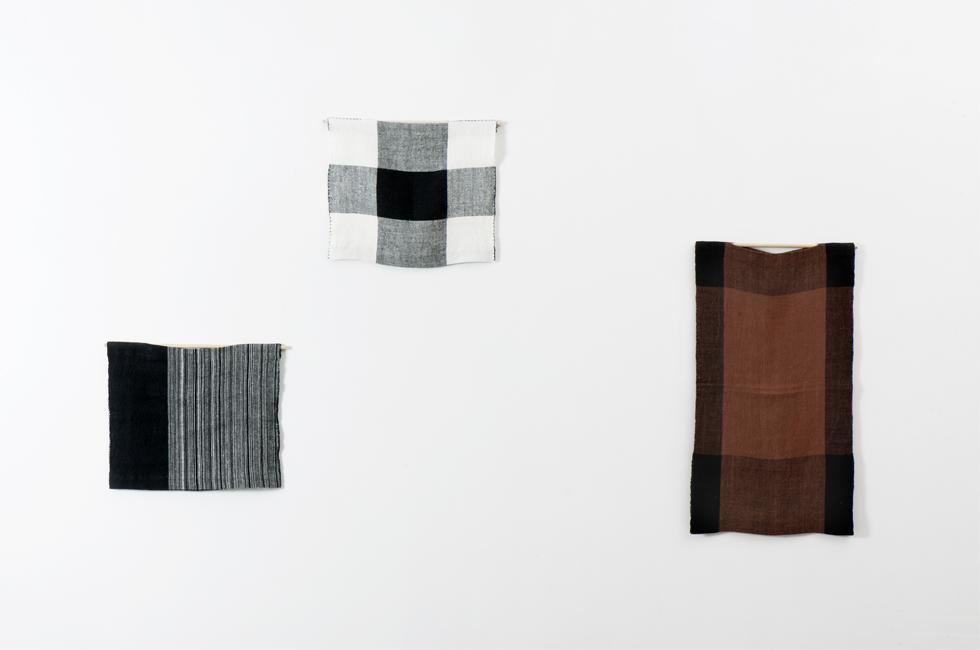 Personal Panel Uniforms de Andrea Zittel en la exposición Ways of Working: The Incidental Object en la Fondazione Merz