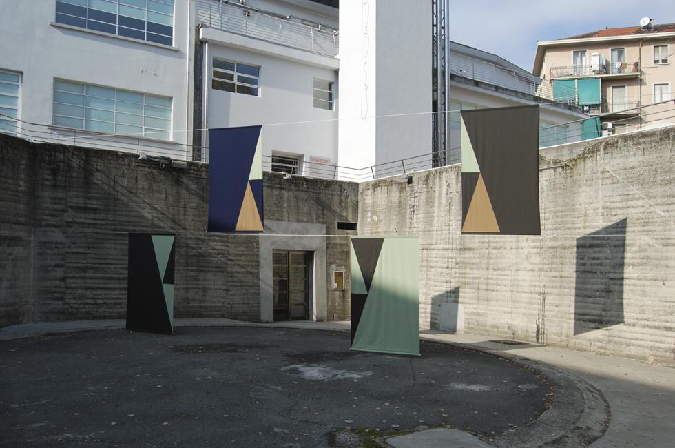 Vista de la instalación El Quisco de Felipe Mujica en la exposición Ways of Working: The Incidental Object en la Fondazione Merz