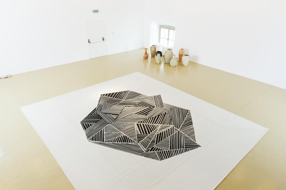 Vista de la exposición illy Present future Award en el Castello di Rivoli. Obras de Naufus Ramírez-Figueroa y Vanesa