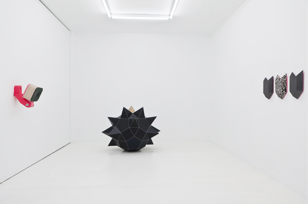 Vista de la exposición Ornamento a Medida, Galería Louis 21 Madrid