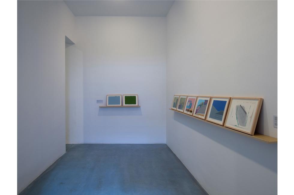 Vista de la exposición de Mario García Torres en Galería Elba Benítez, 2014
