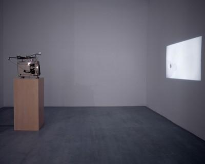 """Mario García Torres: """"Me interesa ver hasta que punto uno se exhibe a uno mismo como artista."""""""